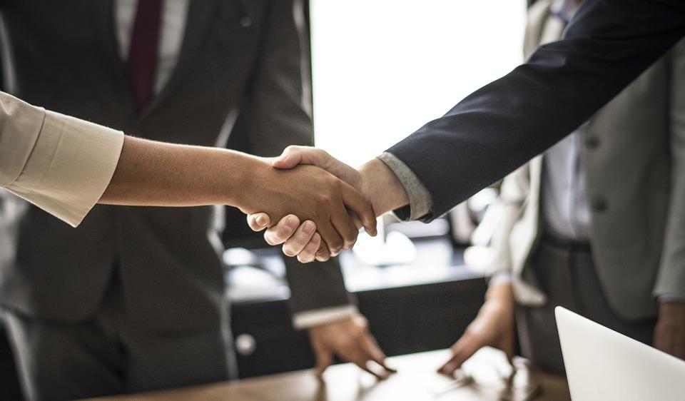 Mashonisas vs Formal Lenders