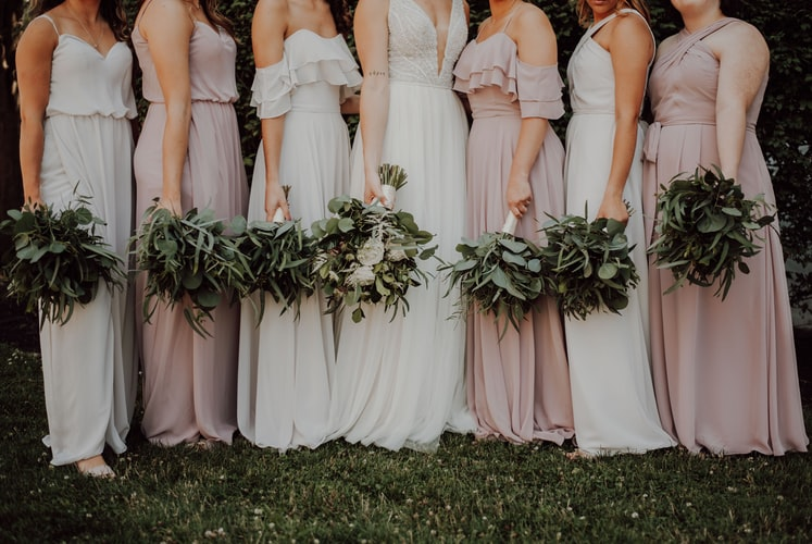Guide to Choosing the Best Bridesmaids Dress Trends